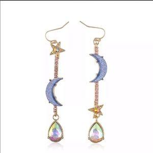 Jewelry - ✨Geometric Moon & Star dangling earrings✨